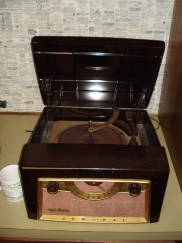 Admiral Radio/Record Player