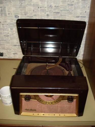 Admiral Radio/Record Player