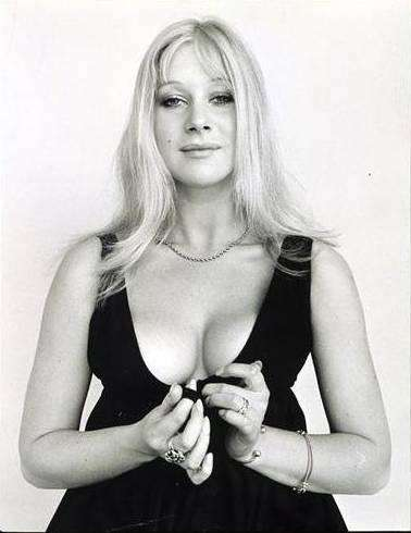 helen-mirren-boobs