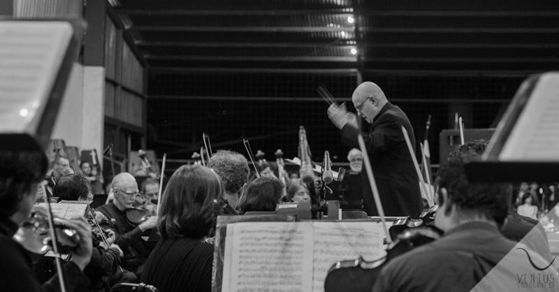 Symphony_Conductor1